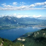 The Thunersee and Thun (picture Roland Zumbühl, Arlesheim)
