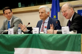 European Parliament Jerzy Buzek MEP (centre) opens the 23rd UEF European Congress, watched by Christian Wenning (left) and Andrew Duff MEP (right) (picture UEF)